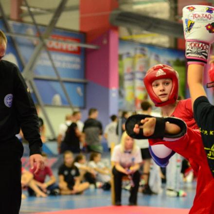 Girls Fighting, Nikon D7000, Sigma 50-150mm F2.8 EX APO DC HSM