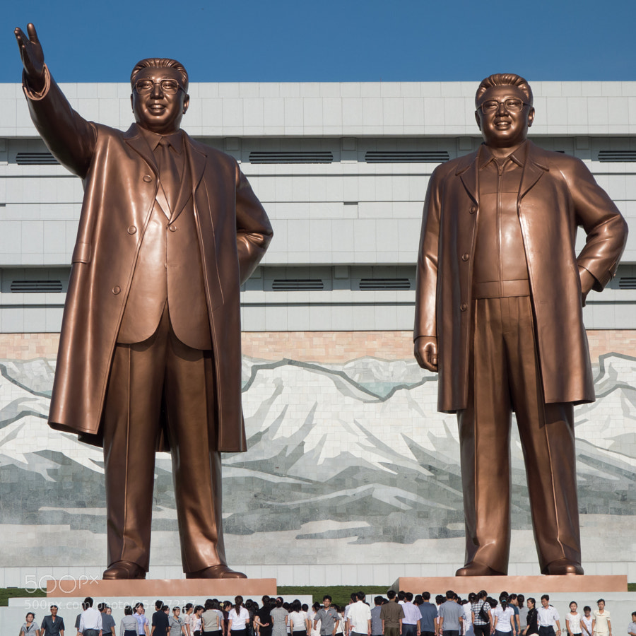 Photograph at the great men's foot of Pyongyang citizens by  kenny on 500px