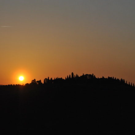Sunrise in Chianti, Nikon D3000, AF-S DX VR Zoom-Nikkor 18-55mm f/3.5-5.6G