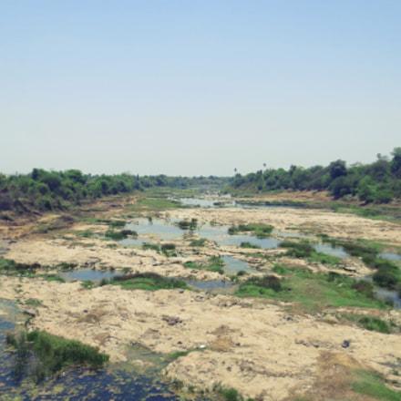 Dry River, Canon IXUS 240 HS