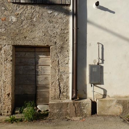 door,tubes and wall, Nikon COOLPIX W300