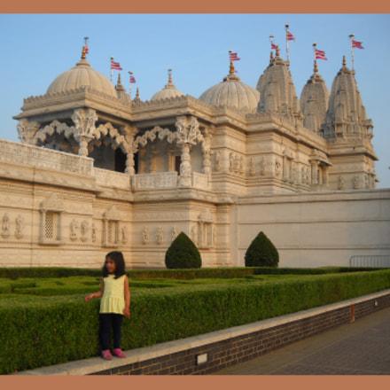 Swaminarayan Famous Hindu Temple, Nikon COOLPIX L20