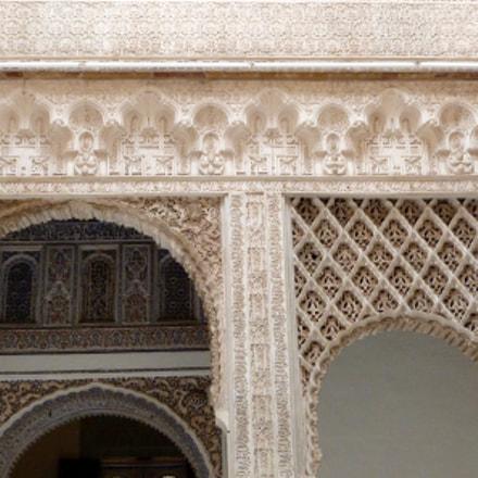 Detailed Moorish Decorations, Panasonic DMC-FZ47