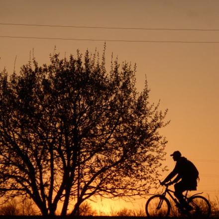 Cyclist at sunset, Panasonic DMC-TZ35