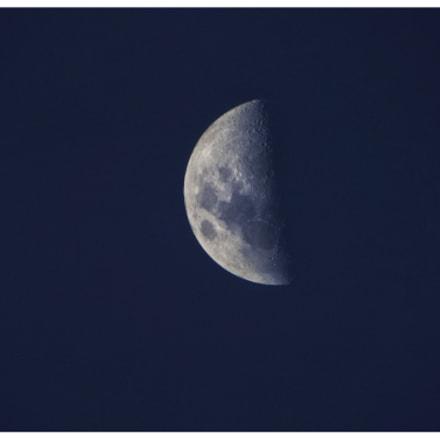 Moon, Fujifilm FinePix S8200
