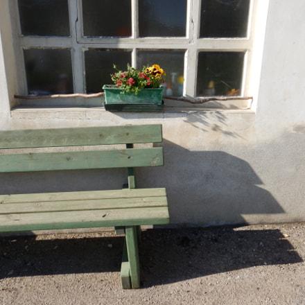 the bench, Nikon COOLPIX W300