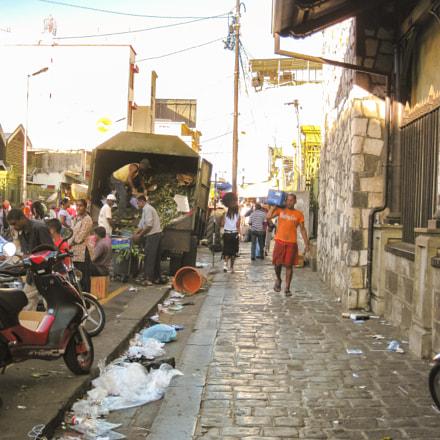 Port Louis life scene, Canon DIGITAL IXUS 970 IS