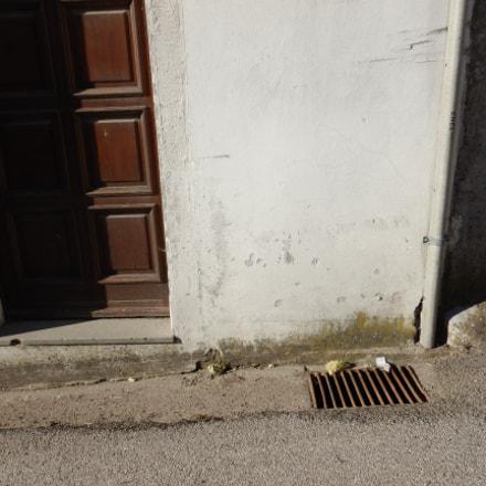 door, drainhole and wall, Nikon COOLPIX W300