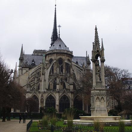 Notre-Dame de Paris, Pentax K-5, smc PENTAX-DA 18-55mm F3.5-5.6 AL II