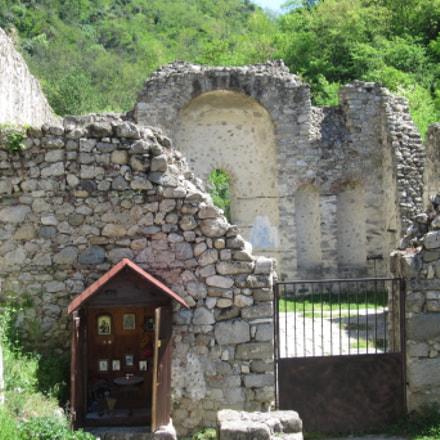 Church's ruins, Canon IXUS 300 HS
