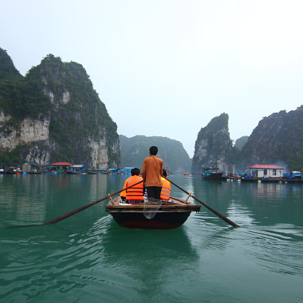 Ha Long Bay floating, Canon EOS 550D, Tokina AT-X 116 AF Pro DX 11-16mm f/2.8