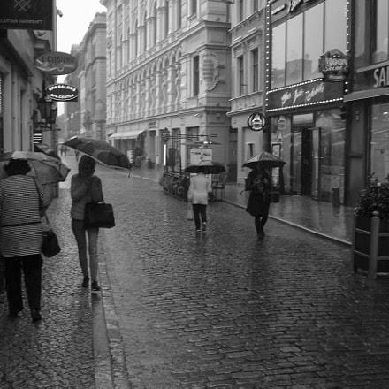 Rainy Day Lunch Break, Sony DSC-W1