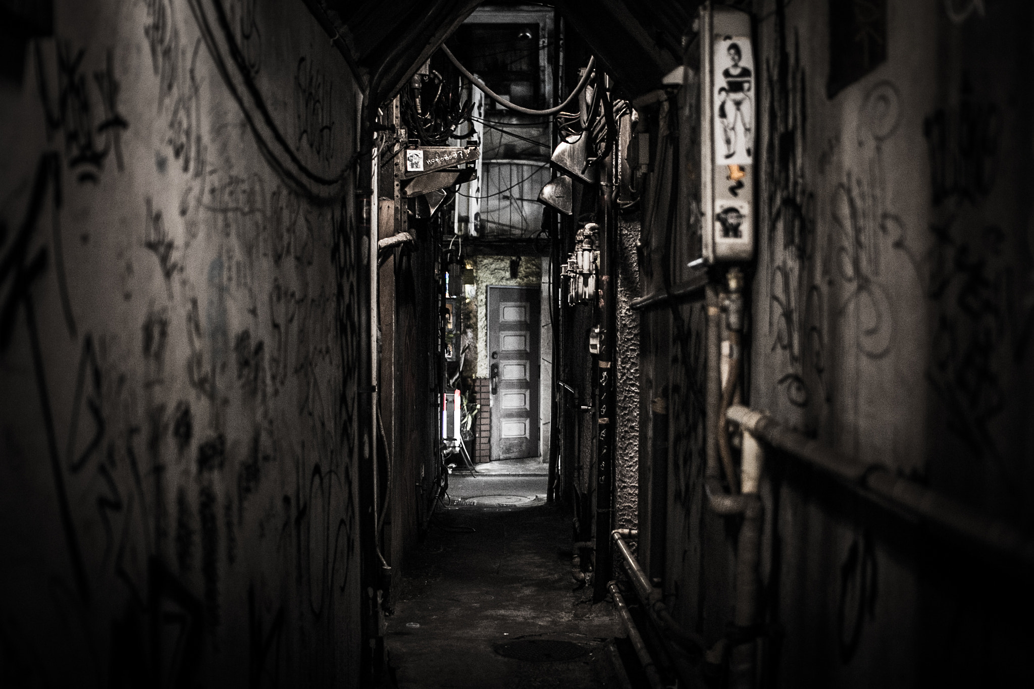 Photograph Alley of the Night by seto_shunsuke on 500px