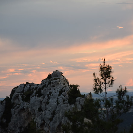 Sunset at Les Baux, Nikon D5300, AF-S DX Nikkor 18-300mm f/3.5-6.3G ED VR
