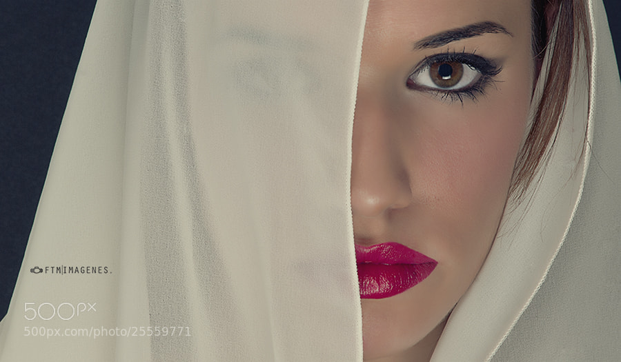 Photograph Average Looking (Cris) by FTM Imagenes on 500px