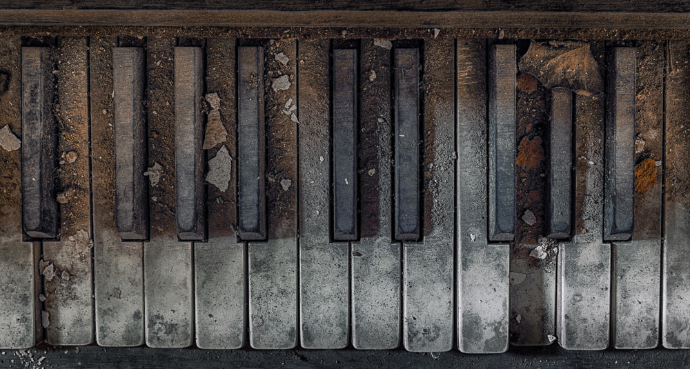 Photograph sad piano by Christian Richter on 500px