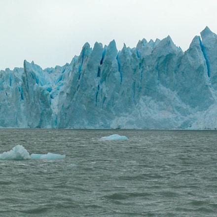 Ice Mountains, Nikon E5700