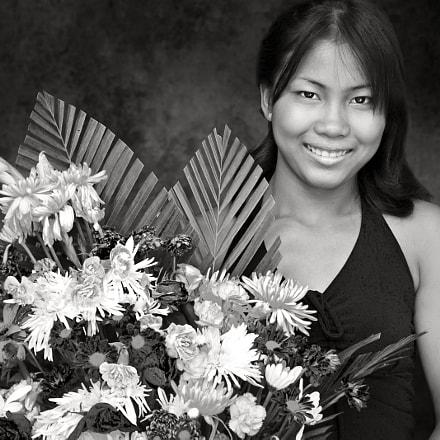 Flower Girl / Cambodia, Nikon E5700