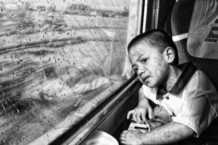 Photograph saw the miracle in B/W by rois effendi on 500px