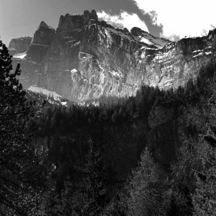 Hiking trail above Kandersteg, Nikon D850, AF-S Nikkor 24-70mm f/2.8E ED VR