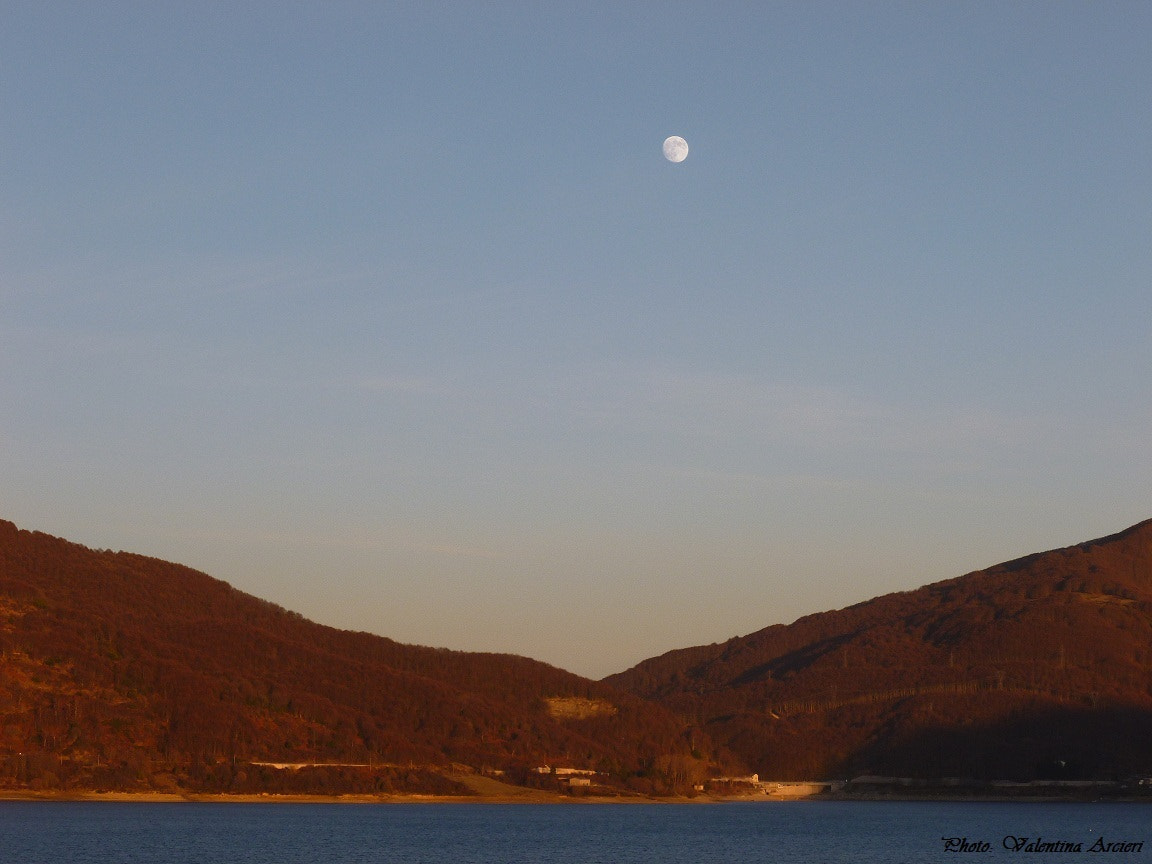 Photograph The light and the moon by Valentina Arcieri on 500px