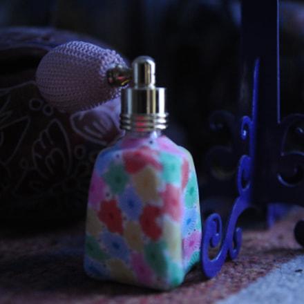 Perfume, Nikon D700, AF Zoom-Nikkor 35-135mm f/3.5-4.5 N