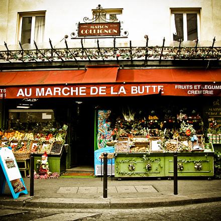 Paris market, Nikon E5700