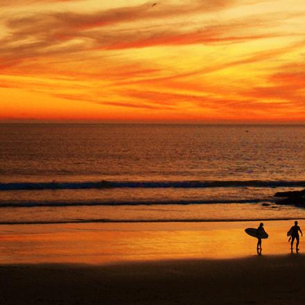 Sunset surfing in Caparica, Nikon COOLPIX S3700