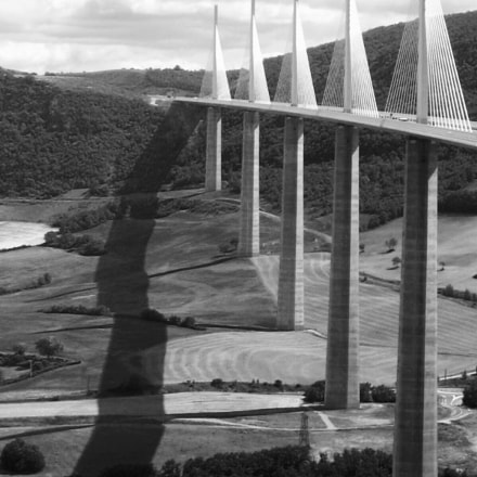 Viaduct of Millau (France), Canon POWERSHOT A85