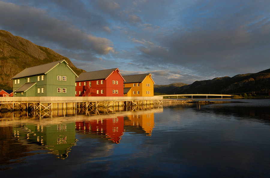 Colorful condos, in the yellow one I slept for a week :-), on a jetty in a small place called Lauvsnes, Flatanger in the Province of Nord-Trøndelag, Norway. 