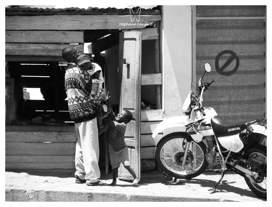 Madagascar N°8, Canon POWERSHOT PRO1