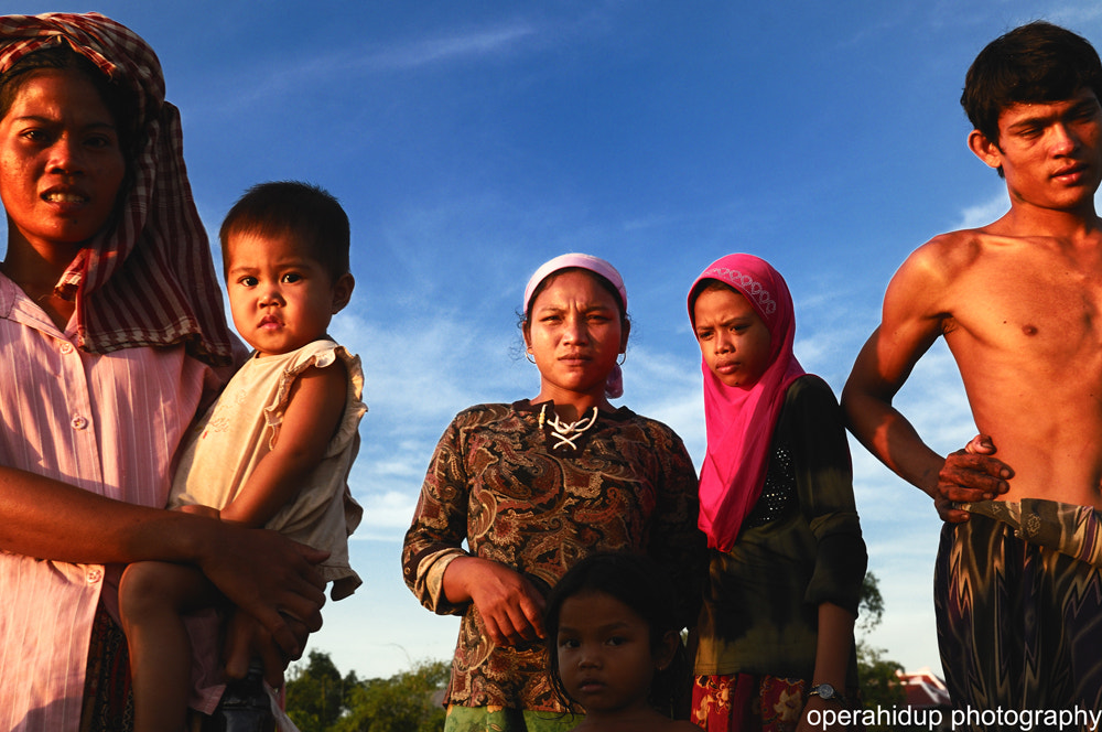 Photograph THE PEOPLE OF KAMPUNG CHAMP, CAMBODIA by OPERAHIDUP PHOTOGRAPHY on 500px