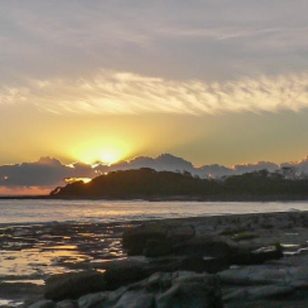 Yamba dawn seascape, Panasonic DMC-FX2