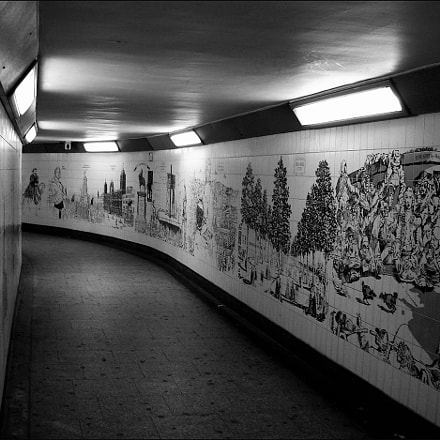 Subway, Sony DSC-W17