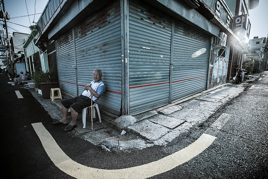 Photograph alleyways by LEE GEON on 500px