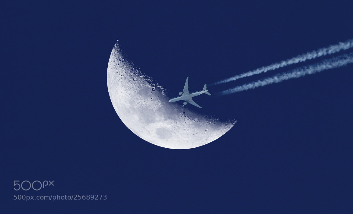 Photograph Moon Flight #7 by Giamma Broilo on 500px