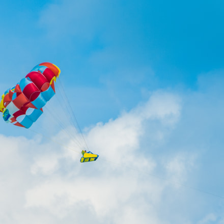 Parasailing over the Caribbean, Nikon COOLPIX P7800