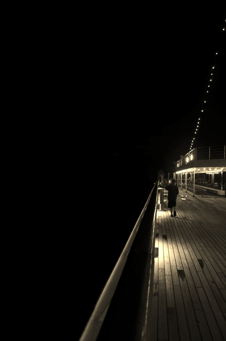 Photograph conquest - 10th deck by Manny Gonzales on 500px