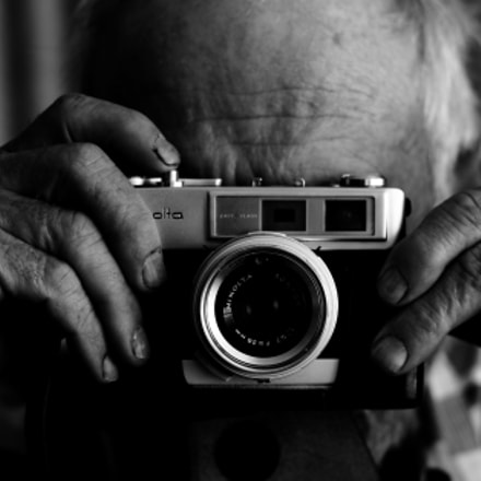 Man with Camera, Canon EOS 1100D, Canon EF 50mm f/1.8 II