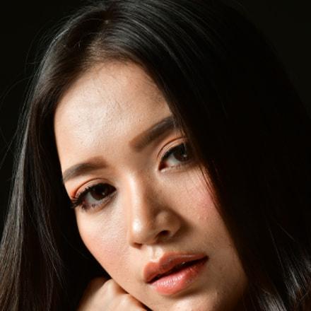 Headshot of Mdl esther, Nikon D500, AF Nikkor 85mm f/1.8D
