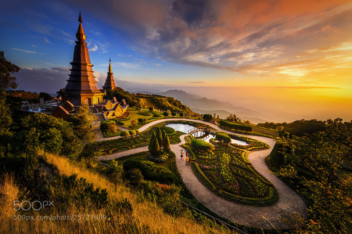 Photograph Naphamethanidon & Naphapholphumisiri Pagoda by SKYDANCER ! on 500px