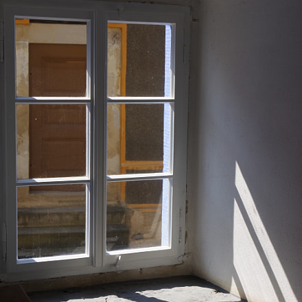 Sun through window, RICOH PENTAX K-70