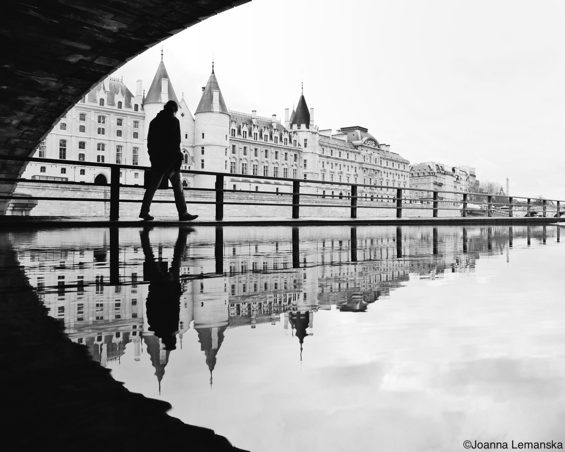 Photograph La Conciergerie by Joanna Lemanska on 500px
