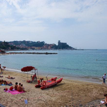 Day on the Beach, Nikon D60, AF-S DX VR Zoom-Nikkor 18-105mm f/3.5-5.6G ED