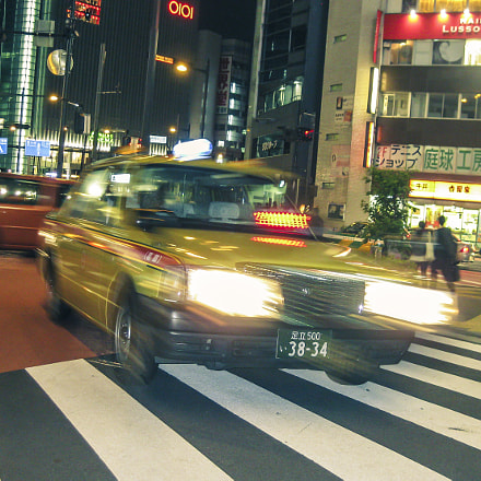Speeding Tokyo Yellow Cab, Canon POWERSHOT SD770 IS