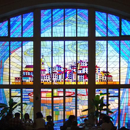 bermeo stained glass, Fujifilm FinePix F10
