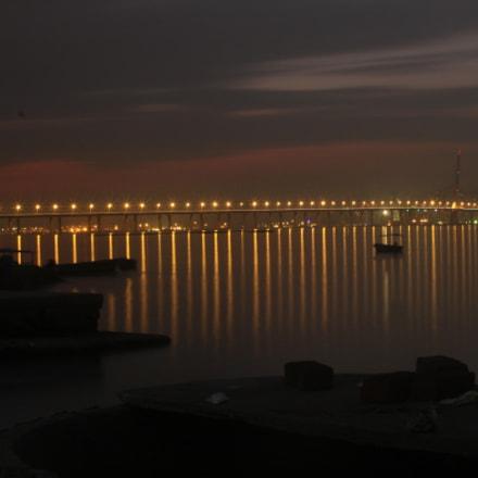 Boats and Bridge, Canon EOS 500D, Canon EF 35-105mm f/3.5-4.5