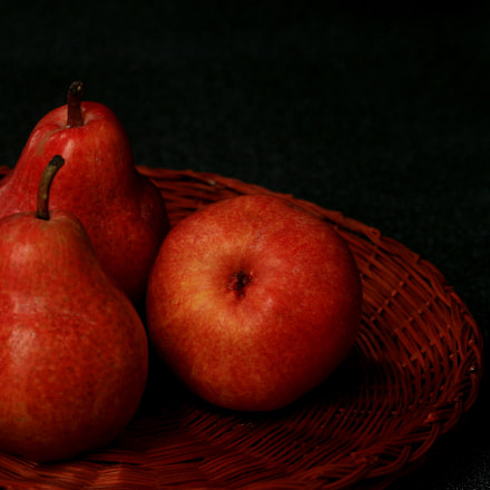 Bartlet pears, Canon EOS 70D
