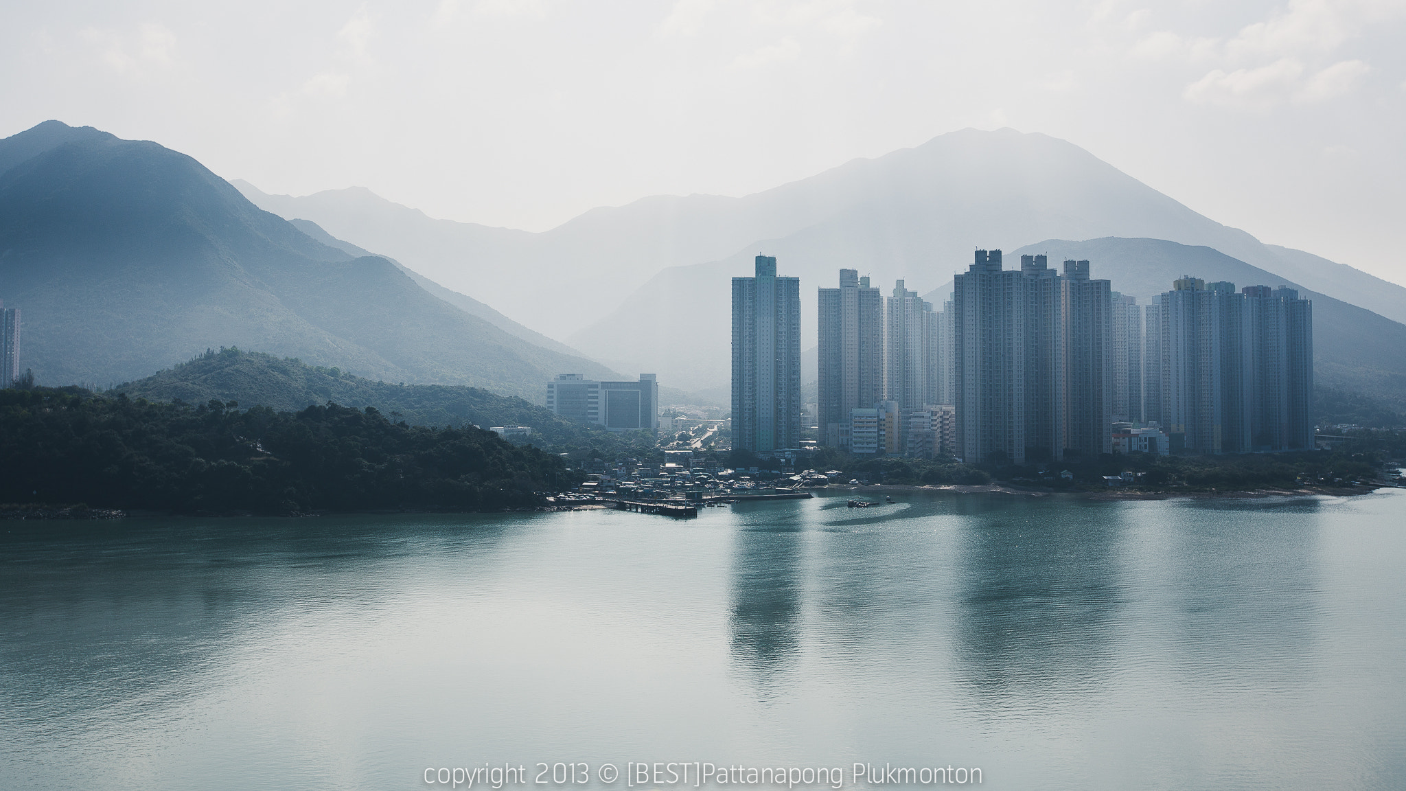 Photograph Hongkong's apartments by Best Pattanapong Plukmonton on 500px