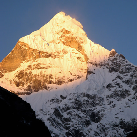 Sunrise on Mt Neelkanth, Canon POWERSHOT A710 IS